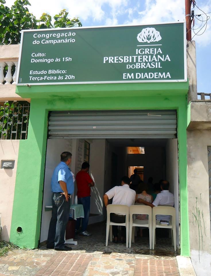 Primeira localização Congregação Campanário - Culto de inauguração| Foto: arquivo IPD (2014)