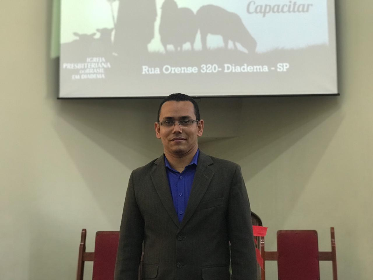 Rev. Leandro Rocha dos Santos (pastor efetivo da IPD desde 2016)