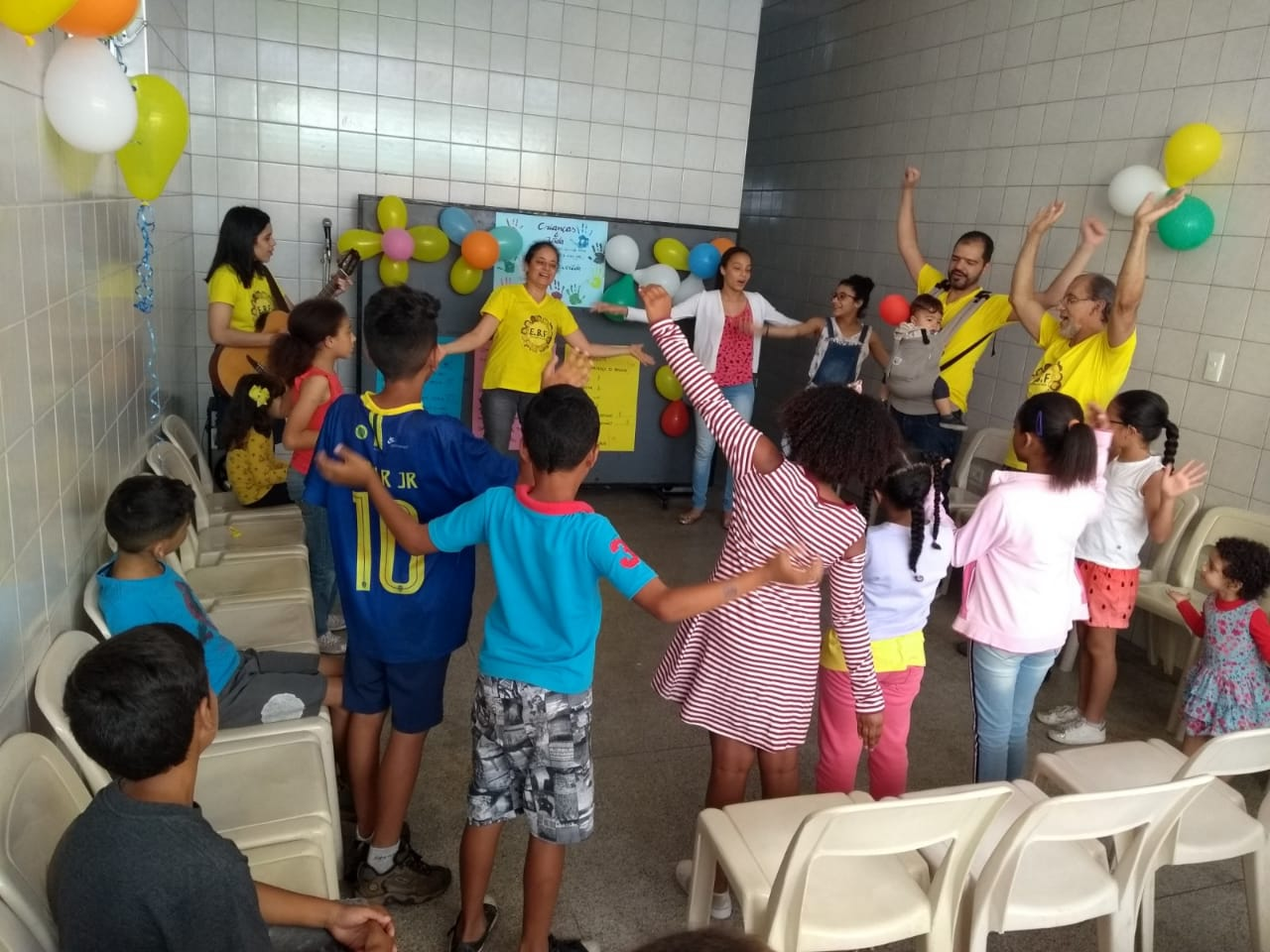 Tarde da Alegria - evangelismo com as crianças do bairro | Foto: arquivo IPD (2018)